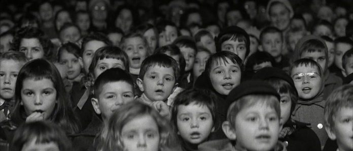نمایی از فیلم «چهارصد ضربه» - اندیشیدن با سینما